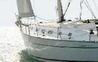 Whitsundays Yacht Charter: Beneteau 43 Monohull From $4,595/week 4 cabin/2 head sleeps 6