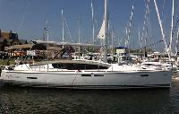 Whitsundays Yacht Charter: Jeanneau 44i Monohull From $4,309/week 4 cabins/2 head sleeps 8