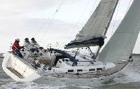 Chesapeake Bay Yacht Charter: Dufour 425 Monohull From $3,270/week 3 cabins/3 heads sleeps 8 Dock