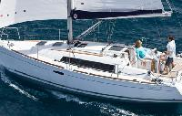Italy Yacht Charter: Oceanis 311 Monohull From $1,435/week 2 cabin/1 head sleeps 4/6